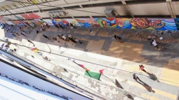 EL RODRIGUISTA. El espacio empleado para pintar el mural que reivindica el pedido de mar para Bolivia-cochabandido-blog