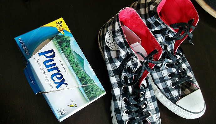 Purex Fabric Softener Sheets to keep shoes fresh