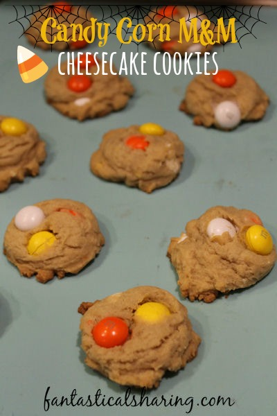 Candy Corn M&M Cheesecake Cookies | Soft and chewy pudding cookies that taste like cheesecake with Candy Corn M&Ms for a seasonal treat #cookies #dessert