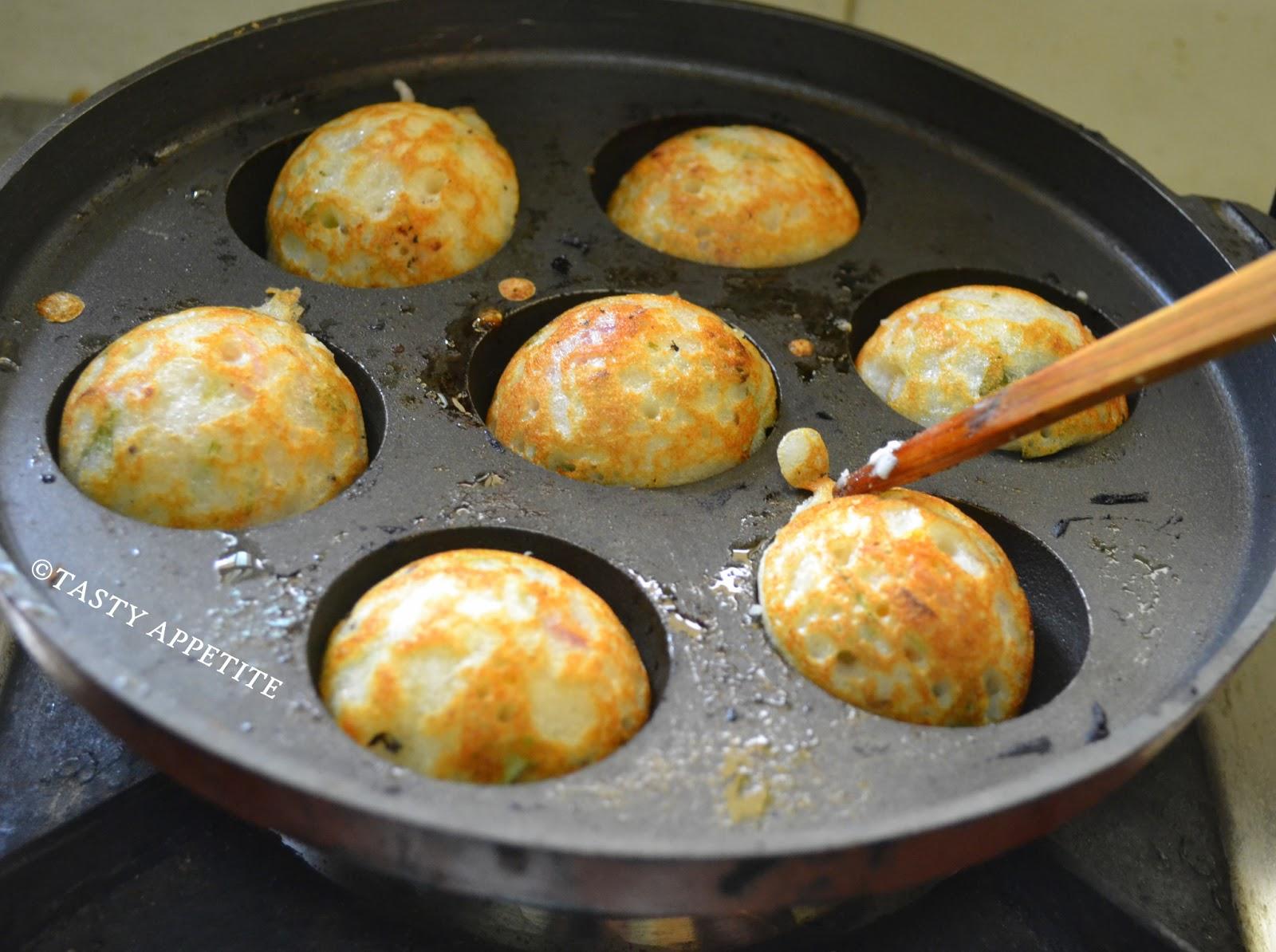 How to make kuzhi paniyaram masala paniyaram south indian style delicious sofy fluffy paniyarams are ready forumfinder Images