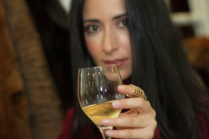 Brindando con champagne por todos los maravillosos seguidores del blog