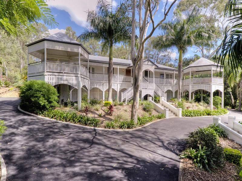 Classic queenslander home - Modern queenslander home designs ...