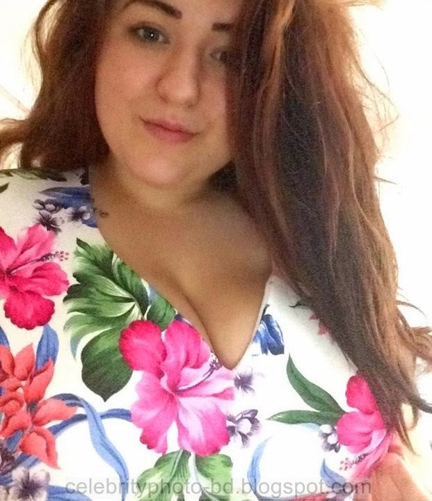 Rosalyn%2BBeautiful%2BBusty%2BBritish%2BGirls%2BPhotos002