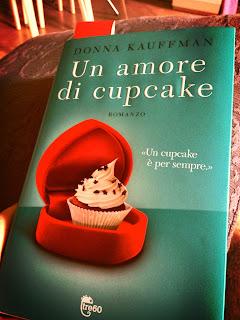 friands al cioccolato e lamponi leggendo un amore di cupcakes