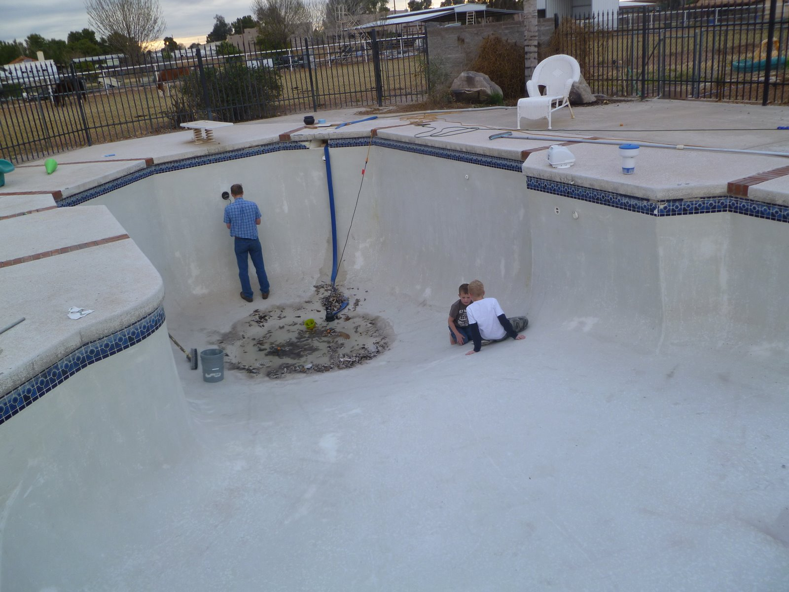 DeGraffenried Family: Swimming Pool Drained!