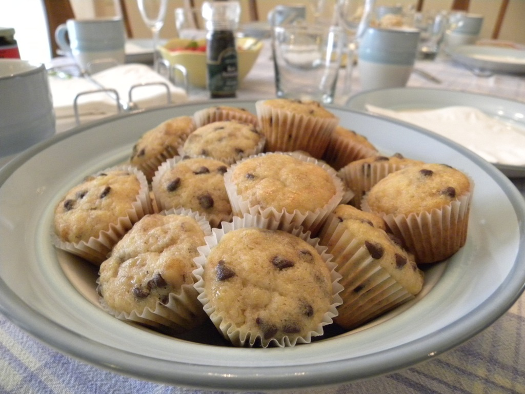All Things Yummy: Kahlua Spiked Banana Chocolate Chip Muffins
