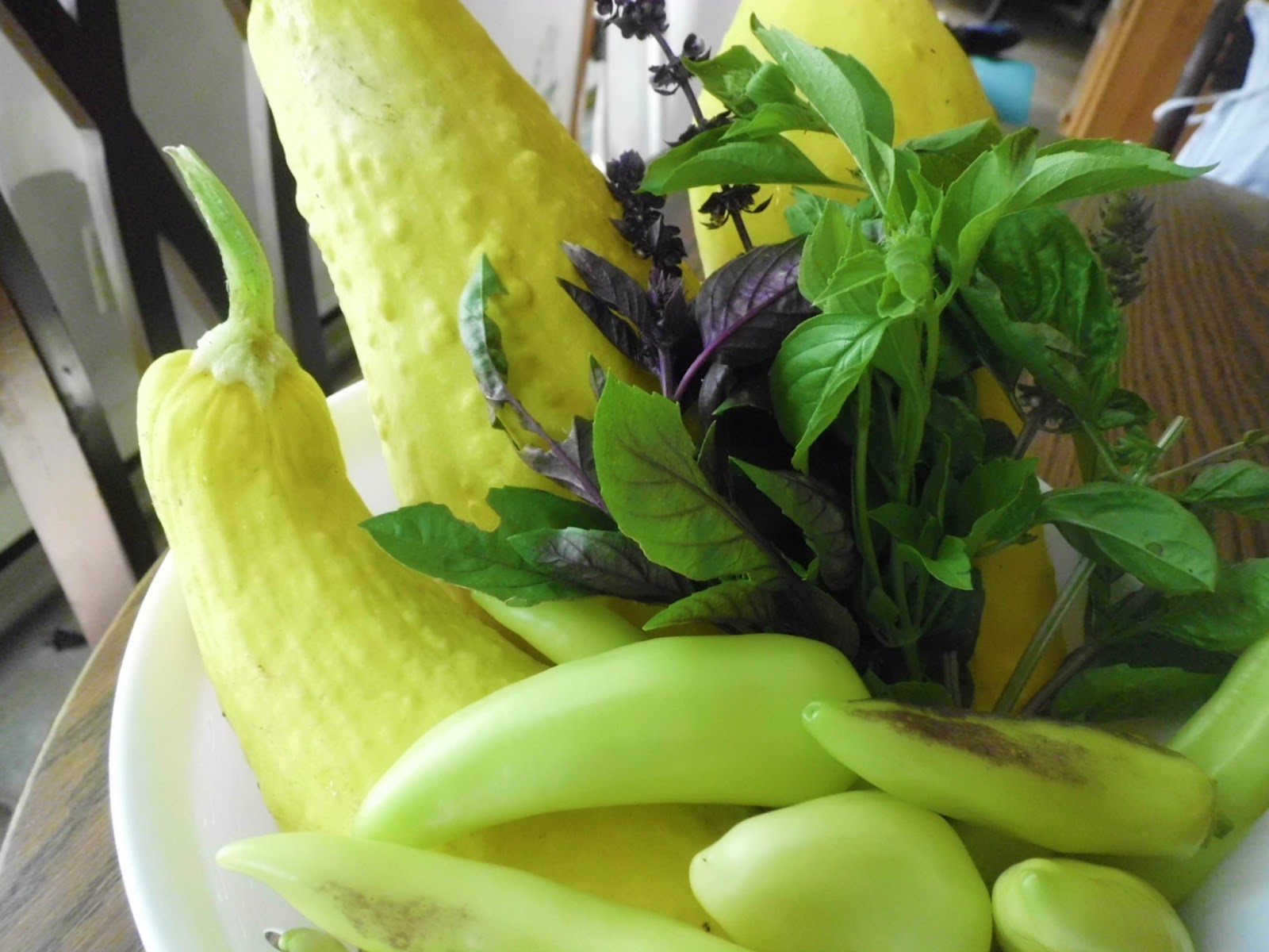 Livin' In The Green: Creamy Summer Squash Soup