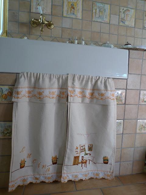 Dal decoupage alla cucina tendine per la mia cucinetta - Tendine x cucina ...