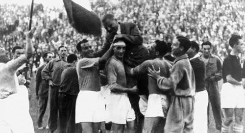 Comemoração do título copa de 1934 jogadores e tecnico