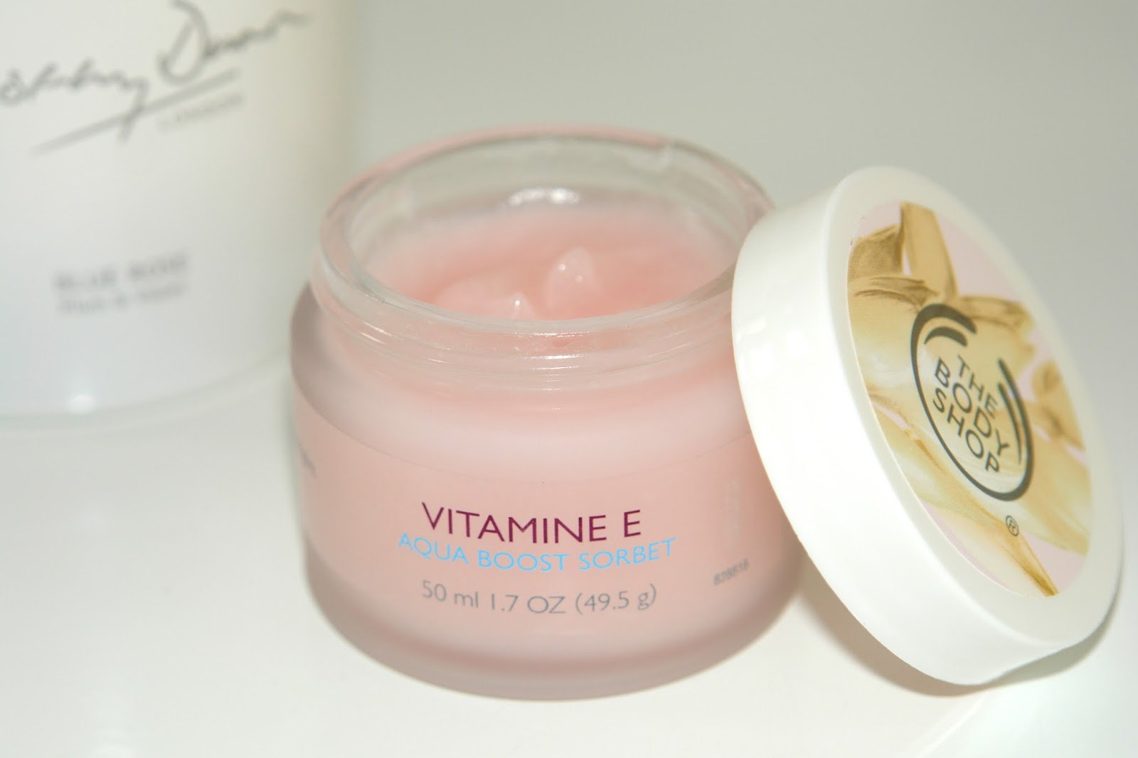 The Body Shop Vitamin E Aqua Boost Sorbet, The Body Shop, beauty, skincare, review, UK blogger, beauty blog, Top UK blogger, make up, skincare, face cream, cream, day cream, night cream, Vitamine E, range,