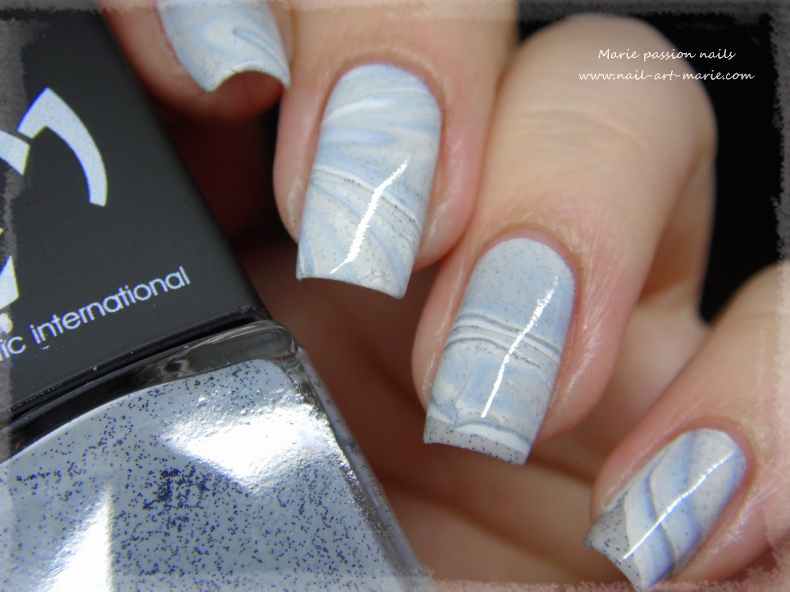 Nail Art effet Marbe au Water Marble7