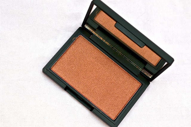 Honour_Blush_by_Sleek_Make_Up_ObeBlog_03