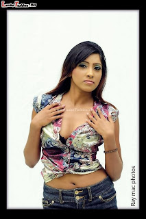 Sachi Wickramasinghe hot navel