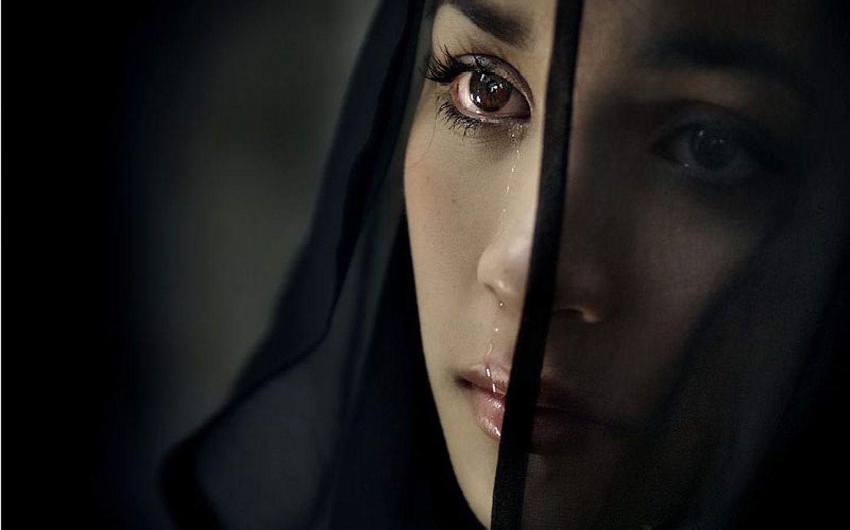 http://1.bp.blogspot.com/-O0YSd4y3bc4/TaUpnsg43fI/AAAAAAAAAIA/kzCQLr59fXI/s1600/as-if-eyes-tell-like-my-feelings.jpg
