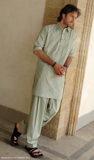 Latest Men Salwar Kameez Designs - Gull Ahmad Summer ...