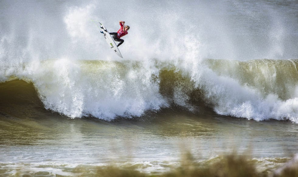 9 2014 Moche Rip Curl Pro Portugal John John Florence HAW Foto ASP Damien Poullenot Aquashot