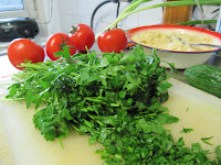 chop parsley for tabouleh