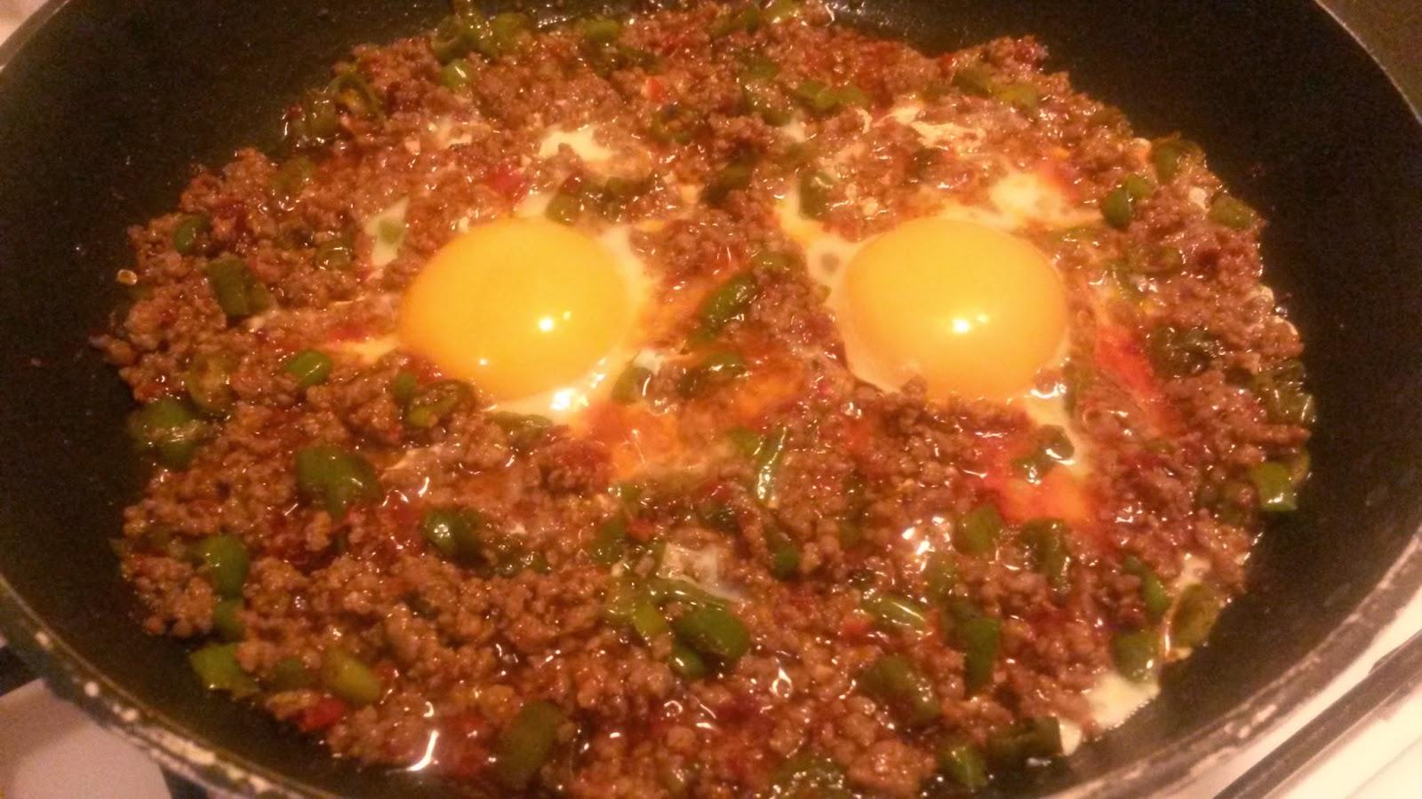 Kıymalı Yumurta Tarifi – Kahvaltılık Tarifler