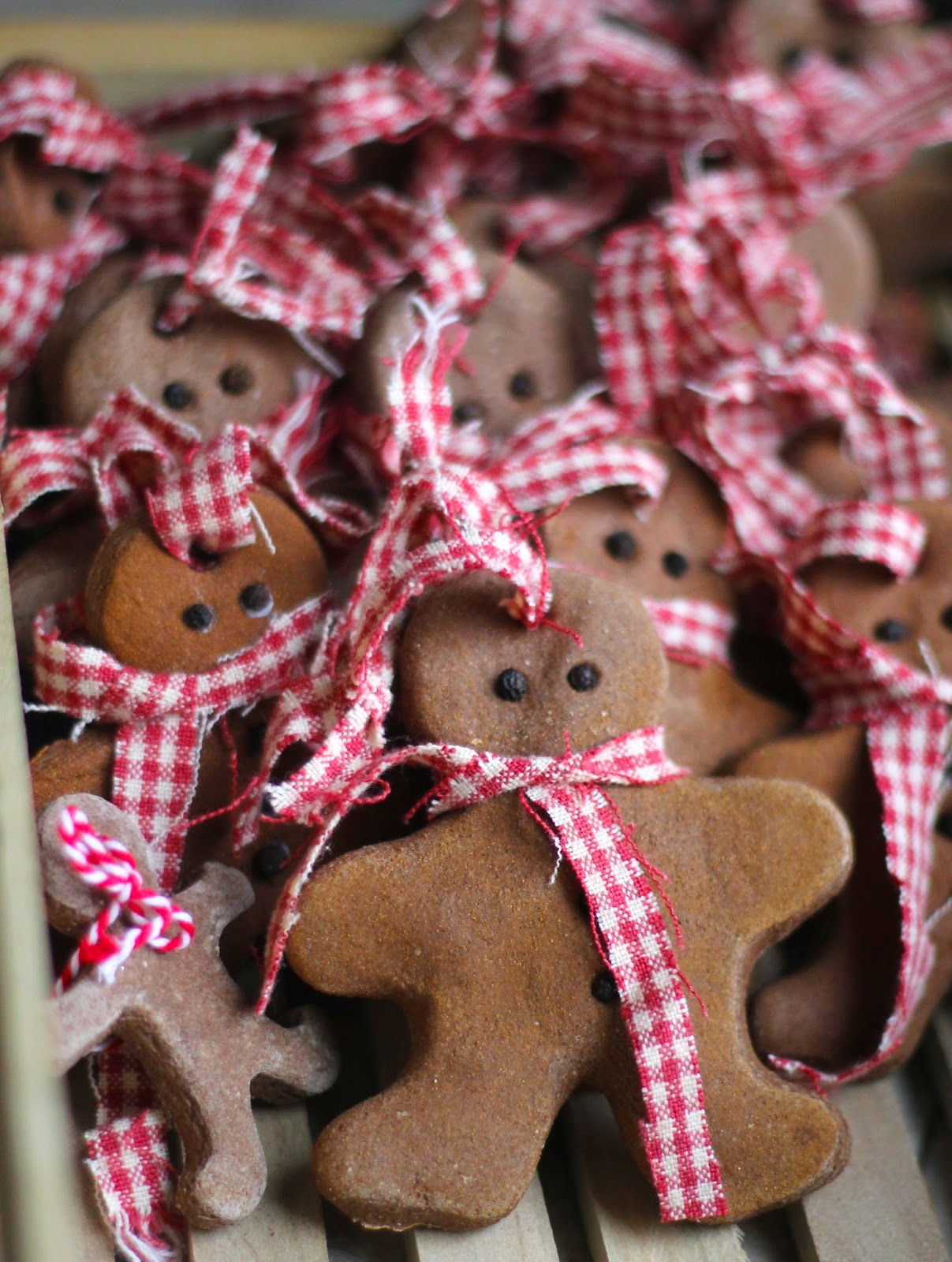 Gingerbread man ornaments - Cinnamon Salt Dough Ornaments