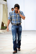 Naga Chaitanya new handsome photos stills-thumbnail-6