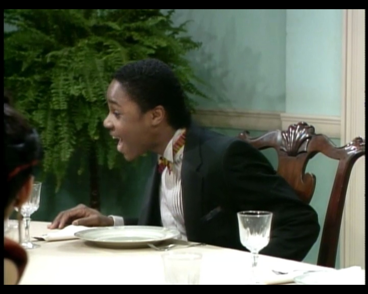 Huxtable hotness season 1 episode 24 cliff 39 s birthday for Hide tr in table