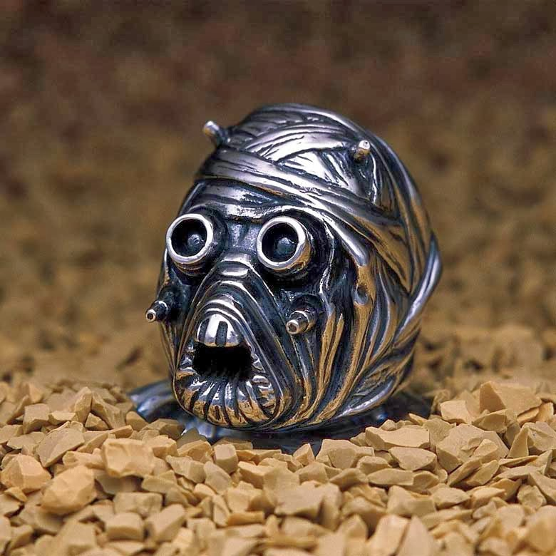 14-Tusken-Raider-jap-inc-Star-Wars-Rings-Sculptures-www-designstack-co