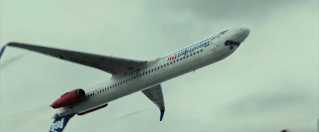 Опытный пилот спасает пассажиров перевернув самолет в воздухе - Бочка на пассажирском самолете | Barrel on a passenger plane