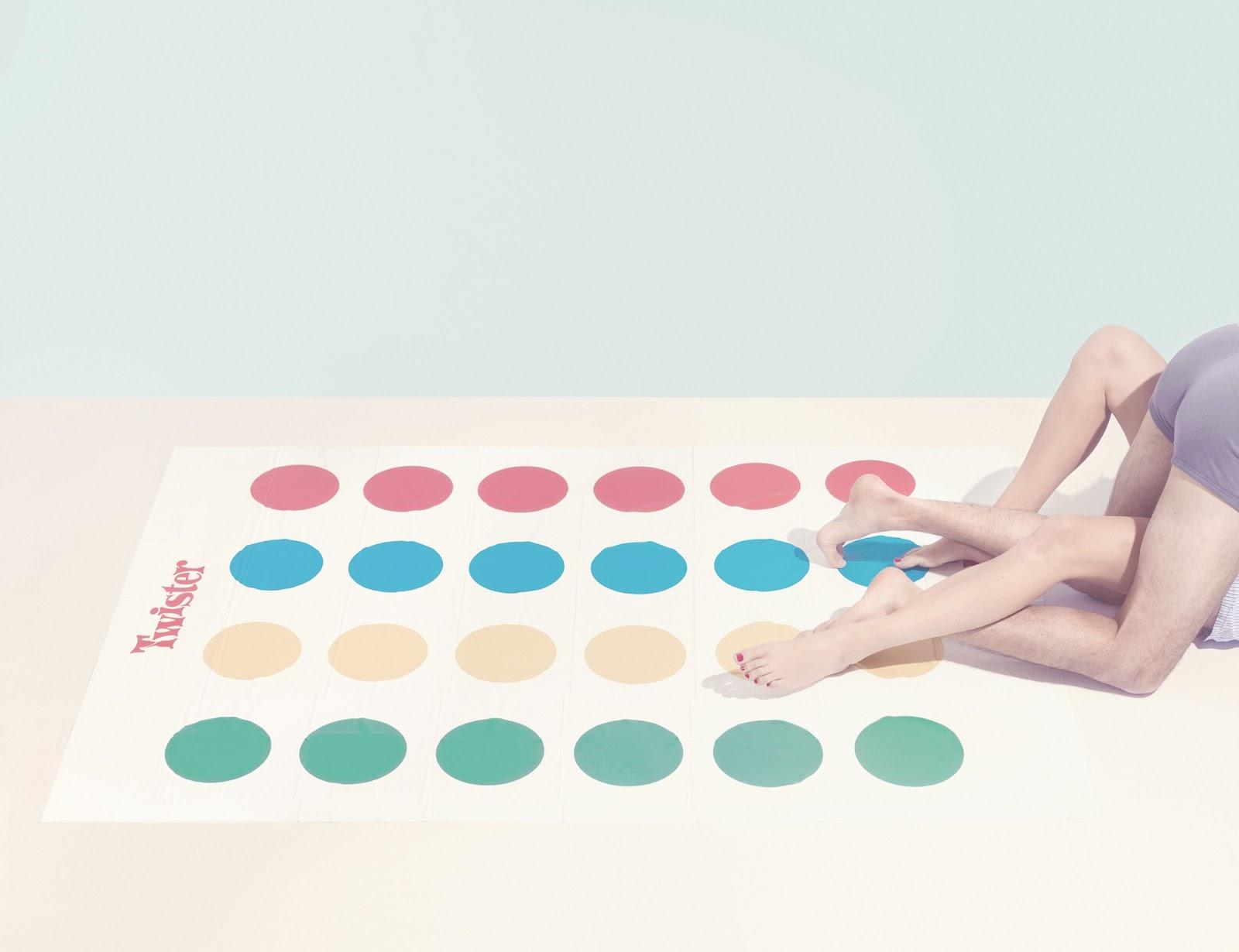 Твистер секс игра 25 фотография