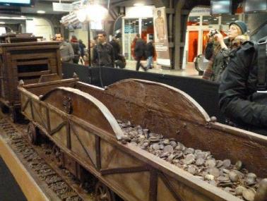 أطول قطار في العالم ..مصنوع من الشيكولاتة !!!!!!