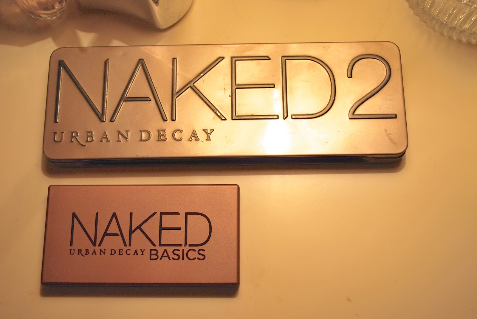 Urban Decay Naked Basics Palette size
