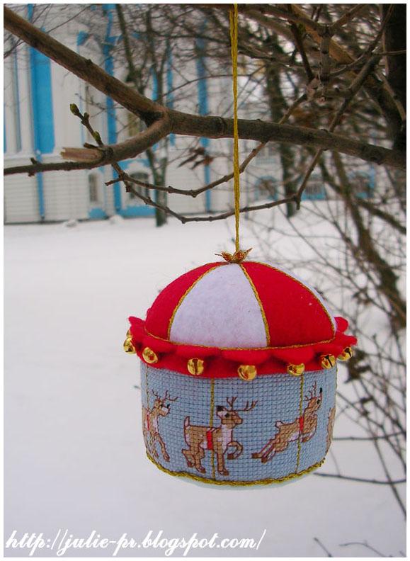 Merry-go-round карусель вышивка елочная игрушка cross stitch фетр