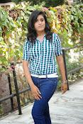 Liza reddy glam pix in jeans-thumbnail-5