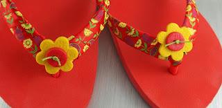 Как украсить шлёпанцы: 14 оригинальных идей