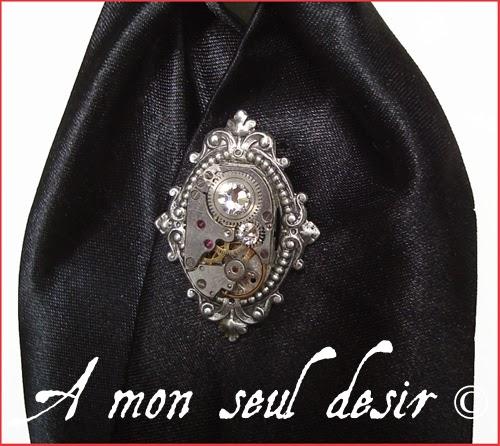 Pic à Cravate steampunk victorien mécanisme de montre rouage bijou mécanique homme dandy gentleman maitre du temps tie pin victorian clockwork watchwork jewe