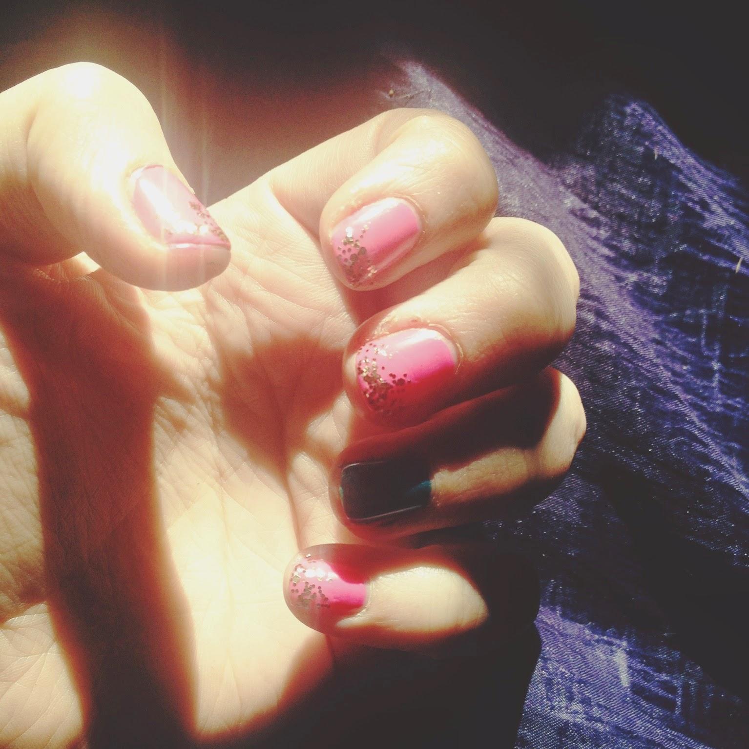 urban decay, nail image, photography image, pink nails image, summer nails, glitter nails