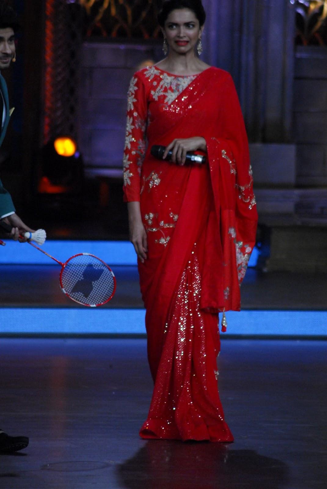 Bollywood Actress Deepika Padukone In Red Saree ...