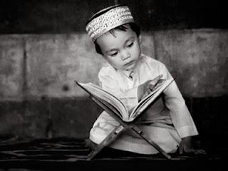 Anak membaca Qur'an (foto Isykarima.com)