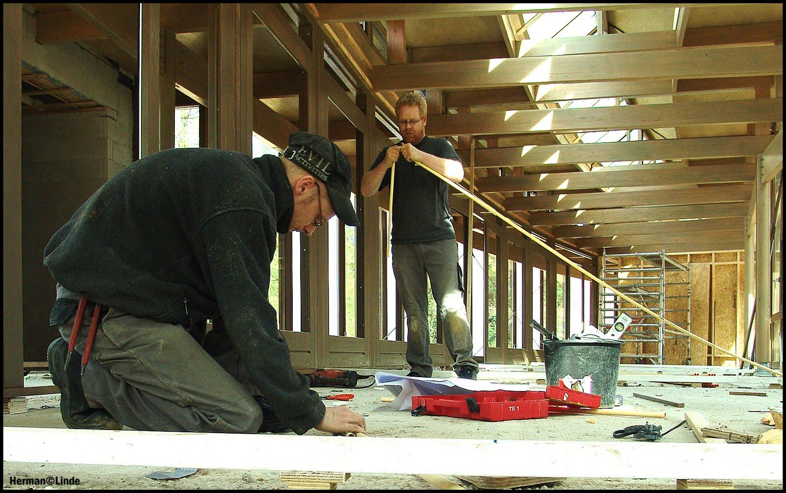 Staatsbosbeheer april 2011 - Kantoor onder helling ...