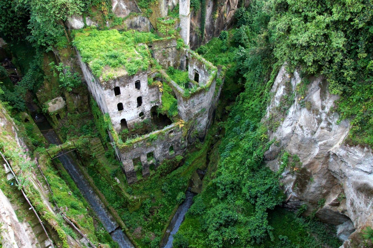 To Travel Is To Live Well 10 Most Amazing Abandoned Places In The World
