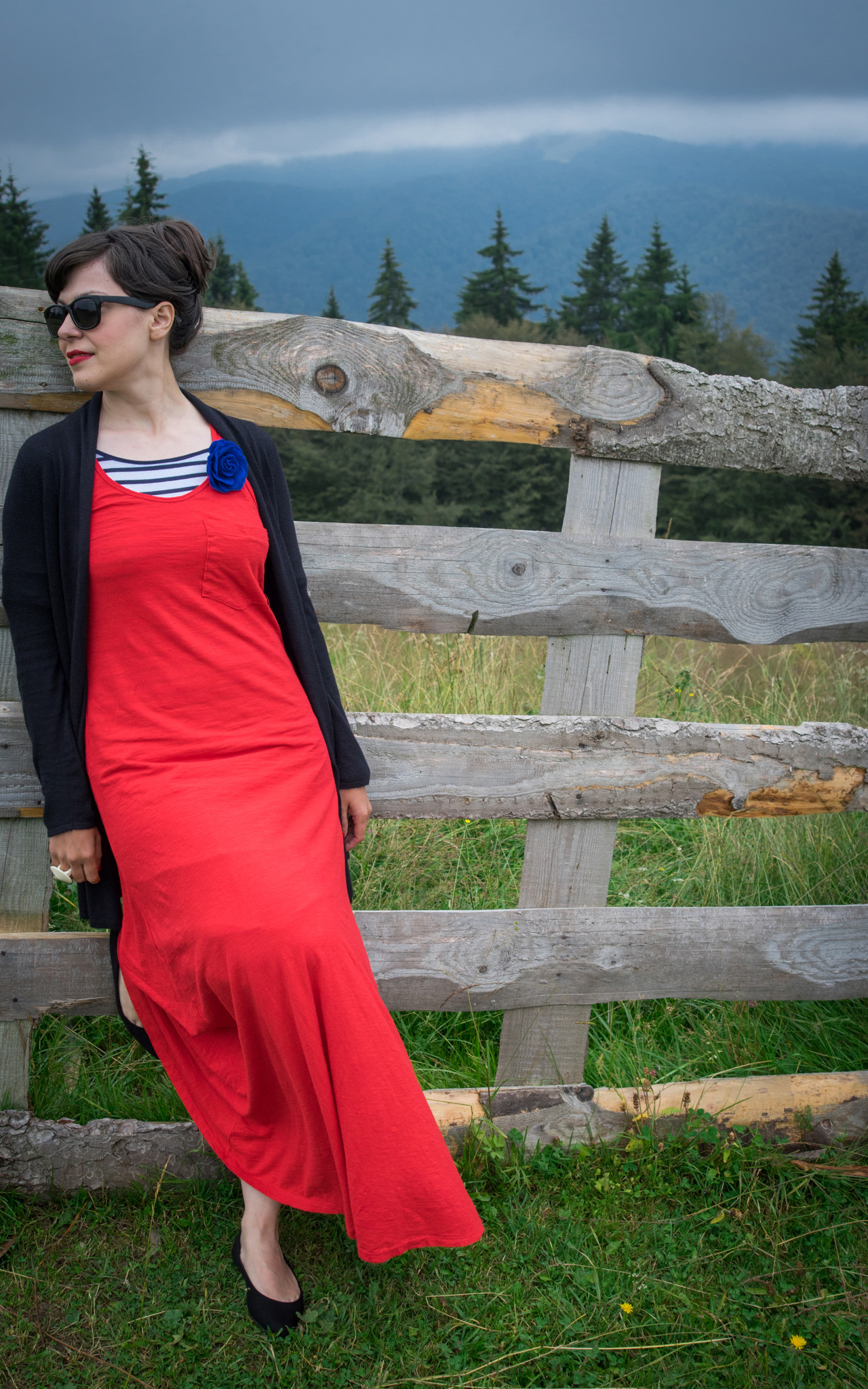 maxi red dress striped top stripes pimkie black flats cardigan hay bales photo shooting  black maxi bag brasov trip mountains