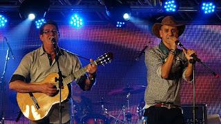 Oswaldir e Carlos Magrão na Festa Nacional da Música.