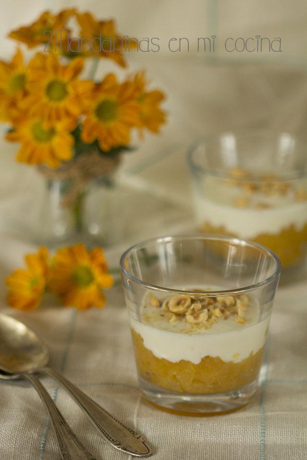 Compota de manzana con yogur 0% y avellanas. Merienda saludable con @Lekue_es