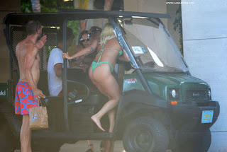 و أخيراً! شاهد ليدي غاغا بالبكيني في جزر البهاما