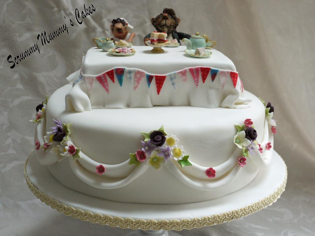 Scrummy Mummys Cakes Lion And Prairie Dog Afternoon Tea Wedding Cake