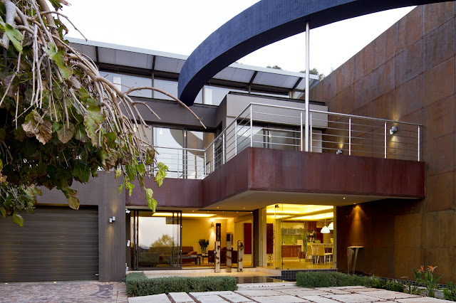 Entrance into the modern villa