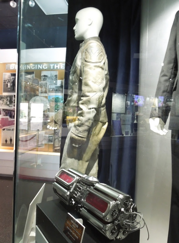 Oblivion costume bomb prop