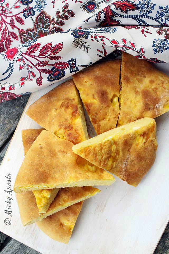 Imeruli khachapuri - paine umpluta cu branza