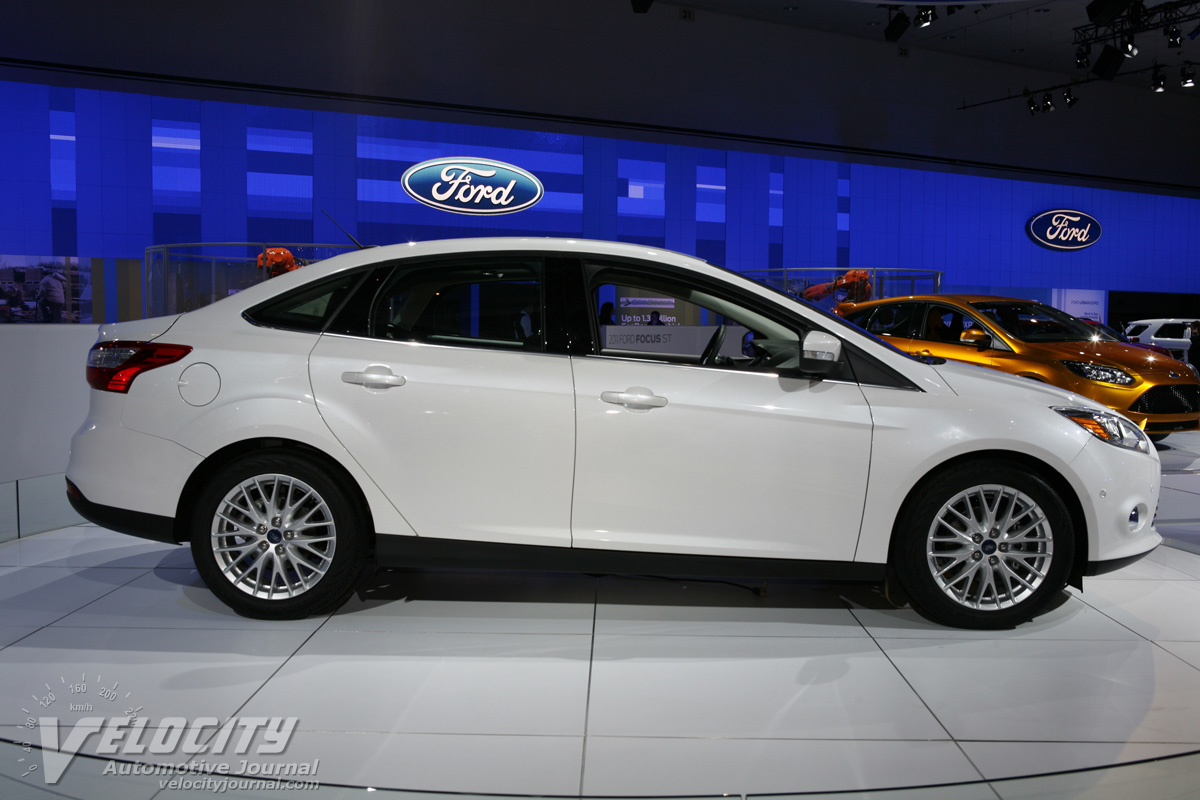 ford cars 2012 ford focus sedan. Black Bedroom Furniture Sets. Home Design Ideas