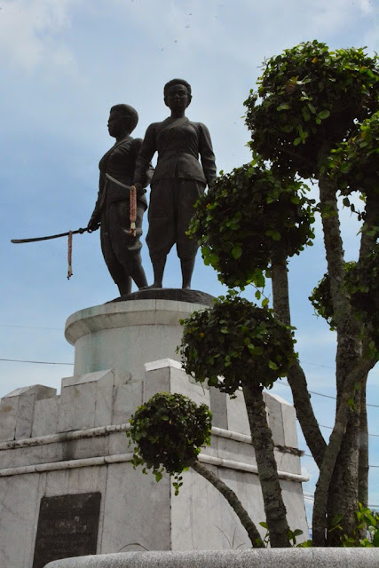 Heroines Monument Phuket Chan Mook