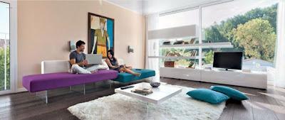 sala color violeta moderna